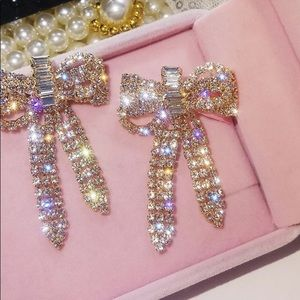Jewelry - Gorgeous bow earrings